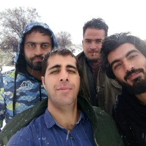 مهدی و دوستانش که برف بازی میکنند و سیگار نمیکشند